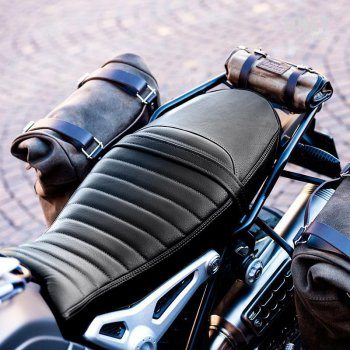 Seat cover in brown leather (long seat)