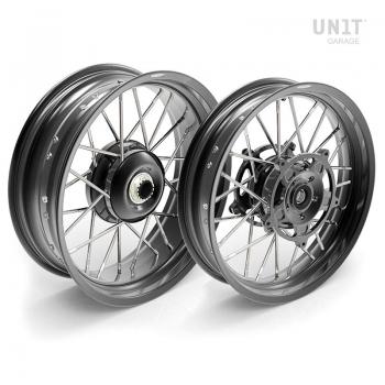 Pair of spoked wheels NineT 24M9