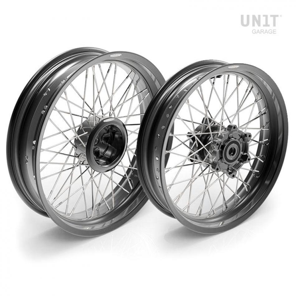 Pair of spoked wheels R850R 48M6
