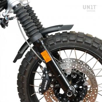 Black low front fender in aluminum nineT with fork stabiliser
