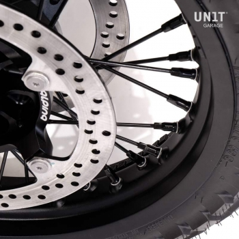 STS Tubeless spoked wheels