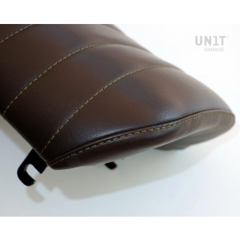 Seat Brown, Canvas
