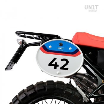 Number holder plate with quick release and lock